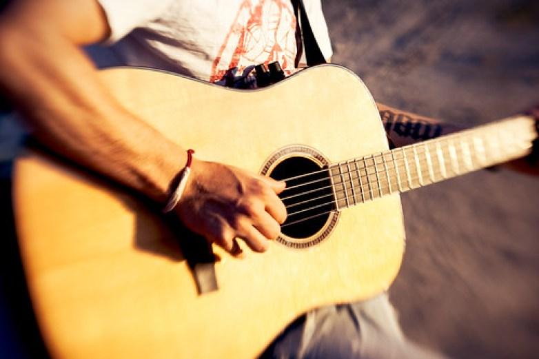 Lens Baby guitar