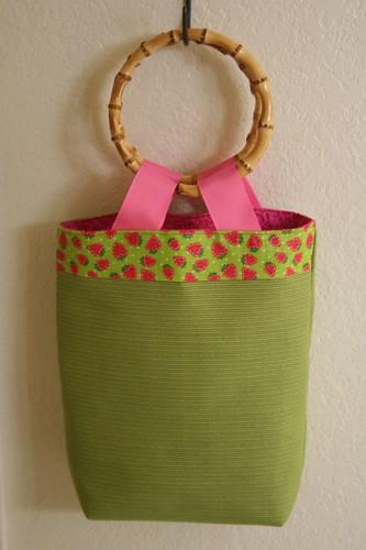Summer bamboo handled bag