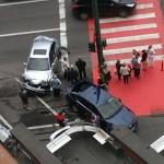 """FOTO Un şmecher cu Mercedes ML a făcut zob mai multe maşini, în zona """"Trei Alimentare"""""""