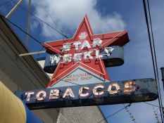Star Weekly Tobaccos | Neon Commercial