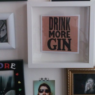 words to live by: drink more gin. nuff said! #FMSphotoaday #photooftheday #photoaday #photoadayjan @fatmumslim #gintonic #homesweethome #elfenreichbar #words #gallery