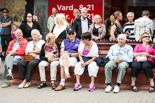 Pensionärer på en bänk
