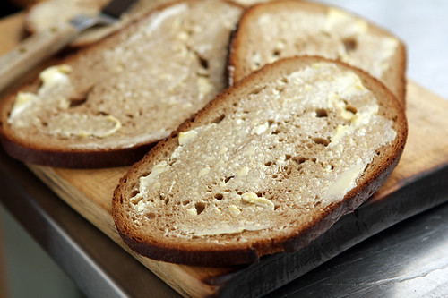 buttered bread for patty melt