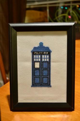 TARDIS X-Stitch