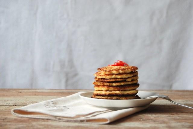 savoury cauliflower pancakes, without precooking the cauliflower