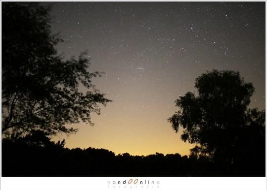 De sterrenhemel richting het Noorden. Wie ziet het sterrenbeeld Casseiopeia?