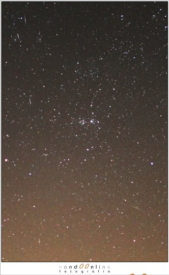 Een extreme deelvergroting laat de vallende sterren duidelijker zien.