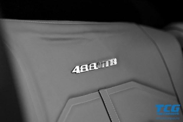 2015 Ferrari 488 GTB (14)