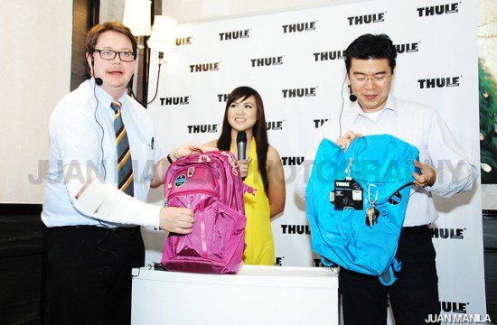 THULE EnRoute Collection demonstrated by Orjan Pettersson, Director of Sales, Asia-Pacific with Melvin Sua of Jake Bros. Inc., and MYX VJ AI Dela Cruz.