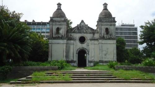 Locais Turisticos- Catedral Velha / Zito Ossumane]