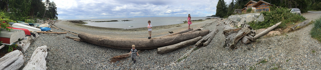 The kids and I went to the beach