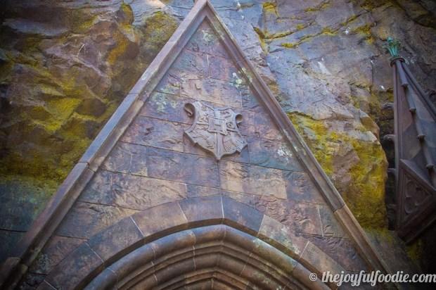 Hogwarts Crest Entrance