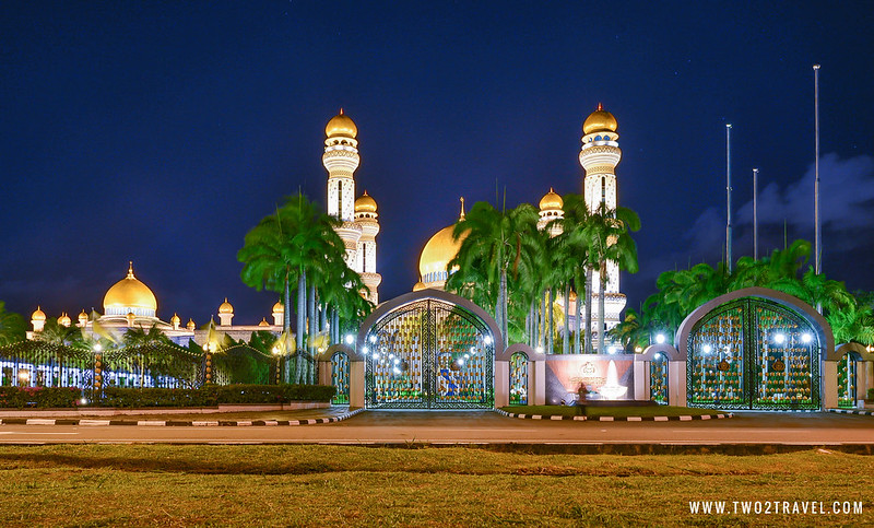 Two2Travel: Brunei - Empire Hotel / © Owen Ballesteros