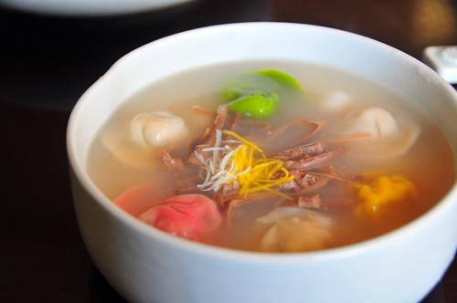 Tteok Manduguk (Rice Cake Dumpling Soup), Jaha Son Mandu