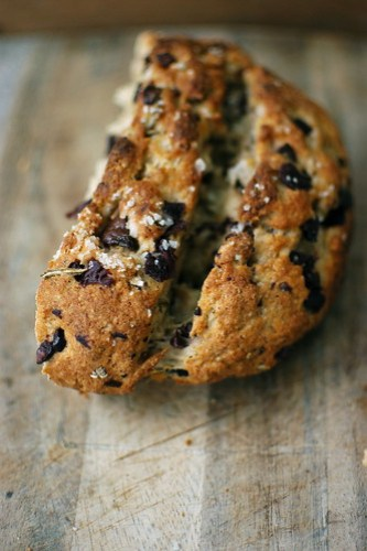 ... bread as an enormous rosemary-kalamata olive loaf persuade you at all