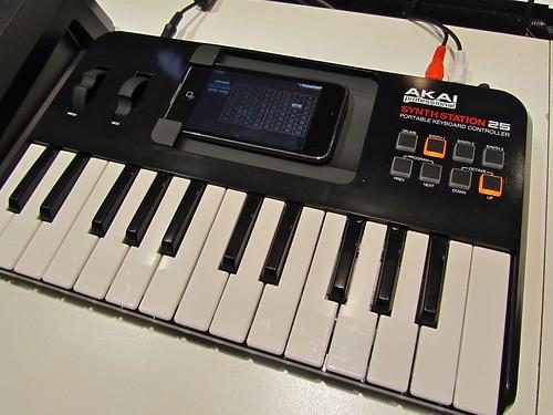 Akai Professional Synthstation 25