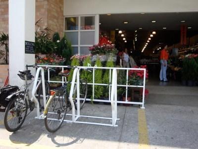 Bicicletário no Supermercado