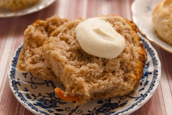 Vanilla and persimmon scones