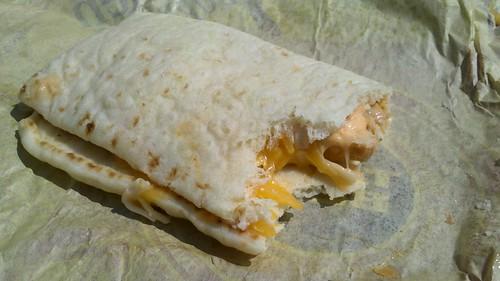taco bell's chicken flatbread sandwich
