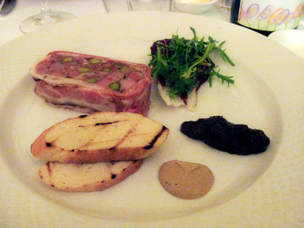 Libertine: suckling pig dinner