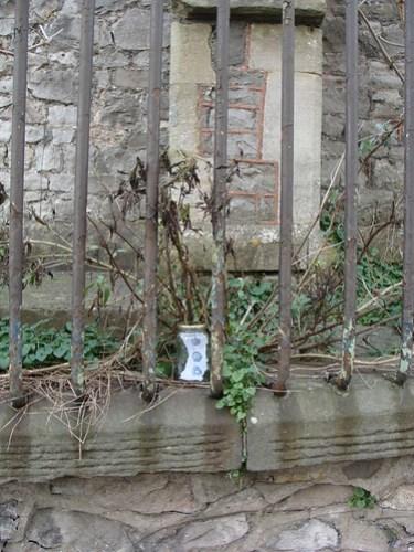 Jar No 28 - in situ