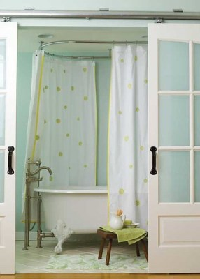 sliding door bath closure