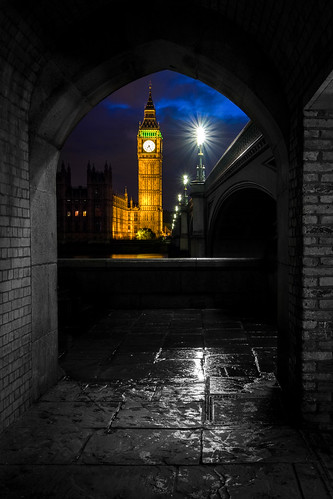 Big Ben during a rainy blue hour