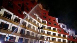 VIDEO Incendiu devastator la Hotelul Ciucaș din Poiana Brașov