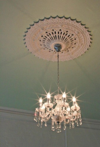 Chandelier. Duchess of Spotswood.