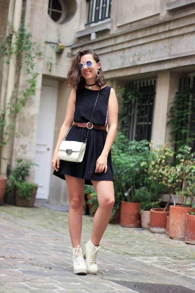 7-sac-blanc-robe-noir-tenue-70s