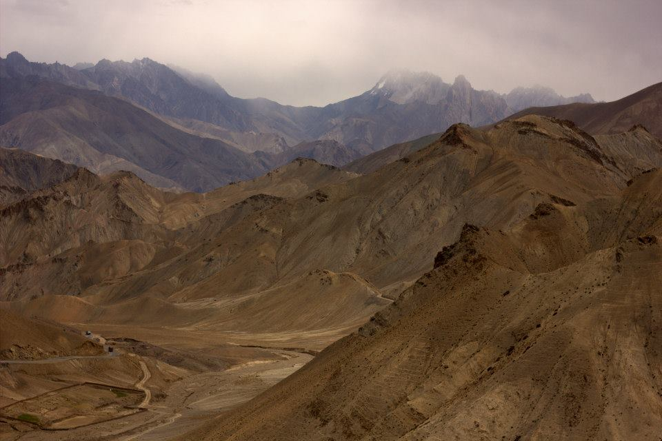 Beautiful landscape on the way to Ladakh by road