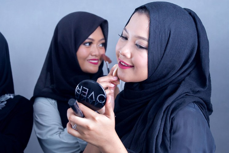 gofotovideo makeup artist / tata rias universitas negeri jakarta 0253