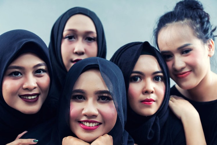 gofotovideo makeup artist / tata rias universitas negeri jakarta 0250
