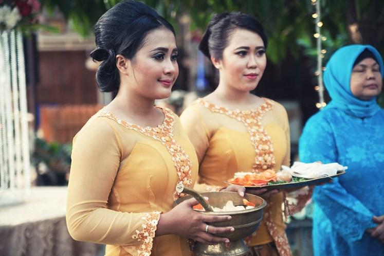 gofotovideo pernikahan outdoor adat jawa di rumah sarwono 223