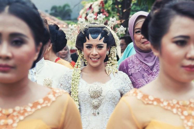 gofotovideo pernikahan outdoor adat jawa di rumah sarwono 224