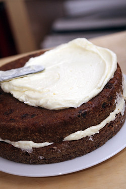 frosting carrot cake 1