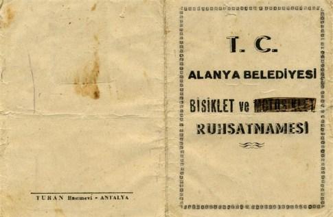 Alanya Belediyesi'nin sürücülere verdiği ruhsatname (1955)