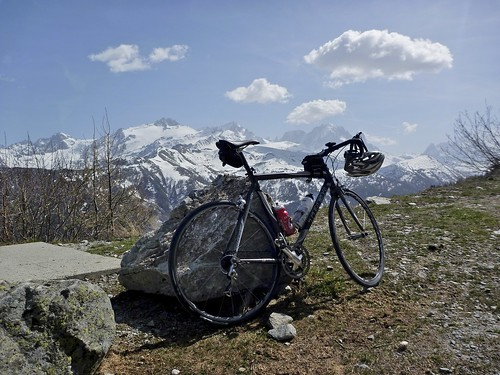 Near top of Barrage d'Emosson