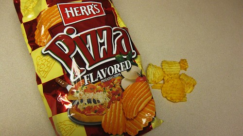 herr's pizza chips