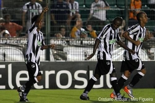 Figueirense 5 x 2 Brusque - 09 - Foto de Cristiano Andujar - Catarinense 2011 - 23012011 copy
