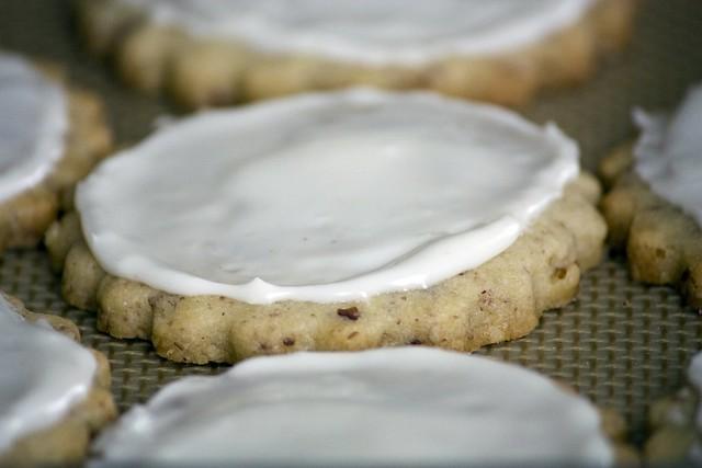 Eggnog glaze on Pecan Linzer Cookies