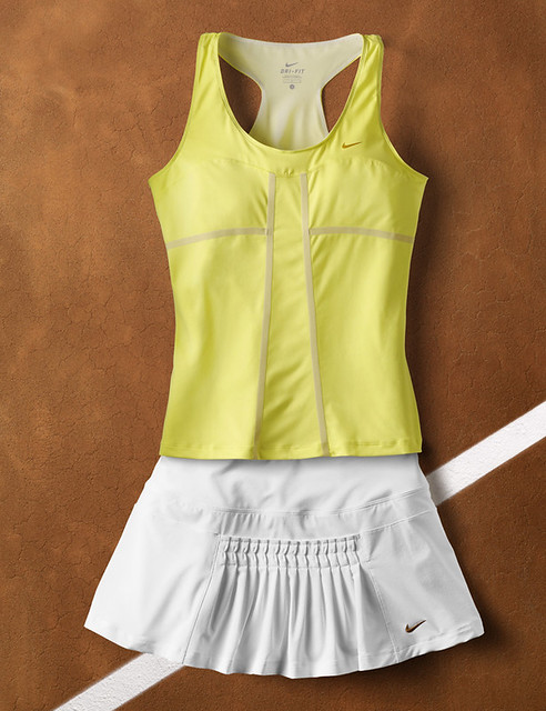 Maria Sharapova 2011 French Open Nike Kit