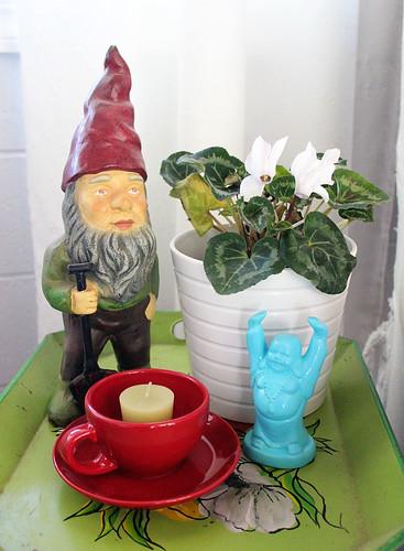 Gnome and Buddha