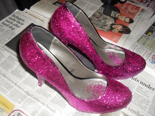 how to make glitter shoes, glitter shoes