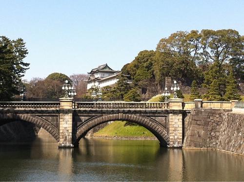 皇居なう、Japanese Emperor Palace two days after the earthquake