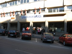 54 de locuri de muncă vacante, puse la bătaie miercuri la AJOFM Brașov