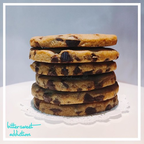 Aaaaand we are back!! . We are opening orders for these addictive premium cookies now and will be COD this Thursday. . Flavours: chocolate chip butter, creamy cornflakes, golden butter . Price: RM7 (mini)   RM14 (small) . All our cookies are made using pu