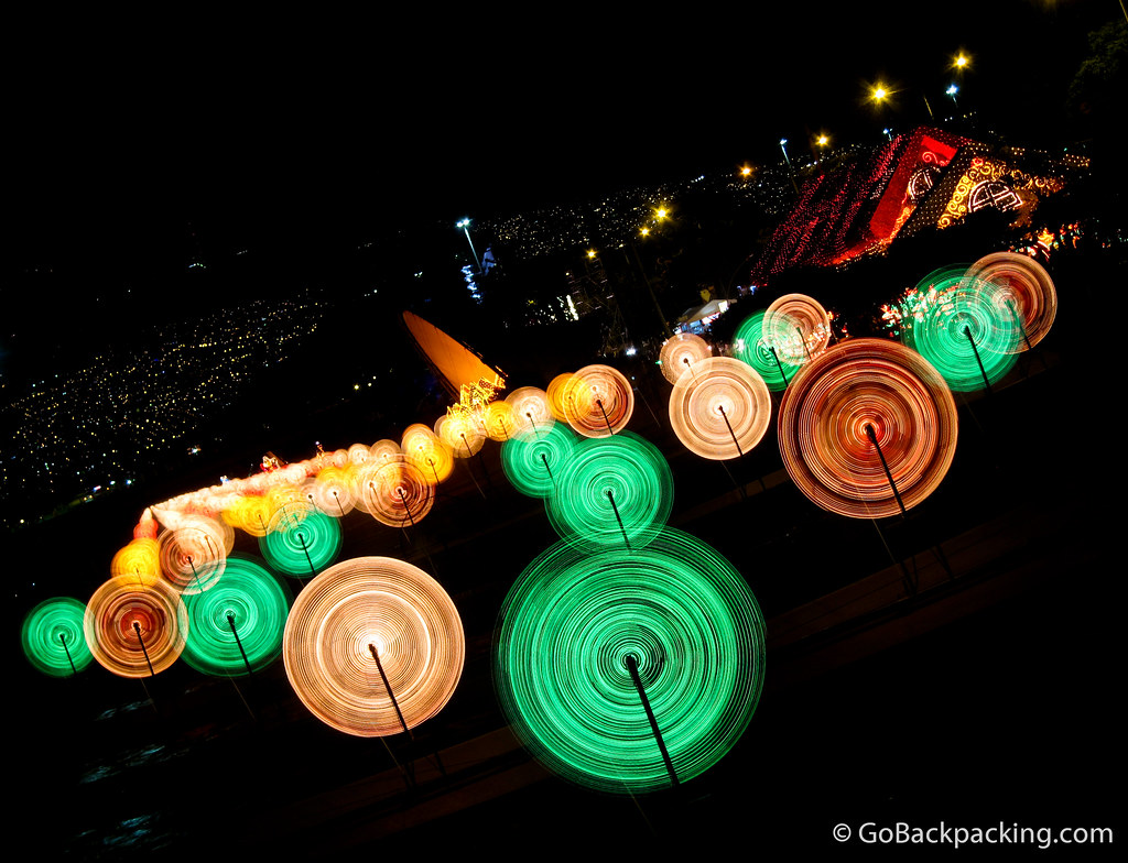 The spinning lights along Rio Medellin.