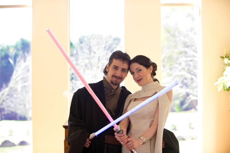 Nadia Amp Dale S Wookiee Boogie Star Wars Wedding Offbeat Bride