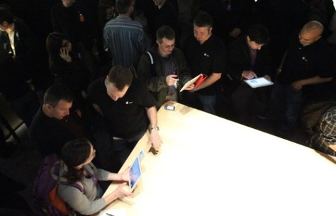 The press takes a look at iPad 2